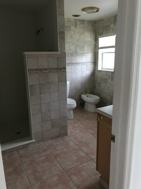 The existing master bathroom, which will be getting a massive transformation.