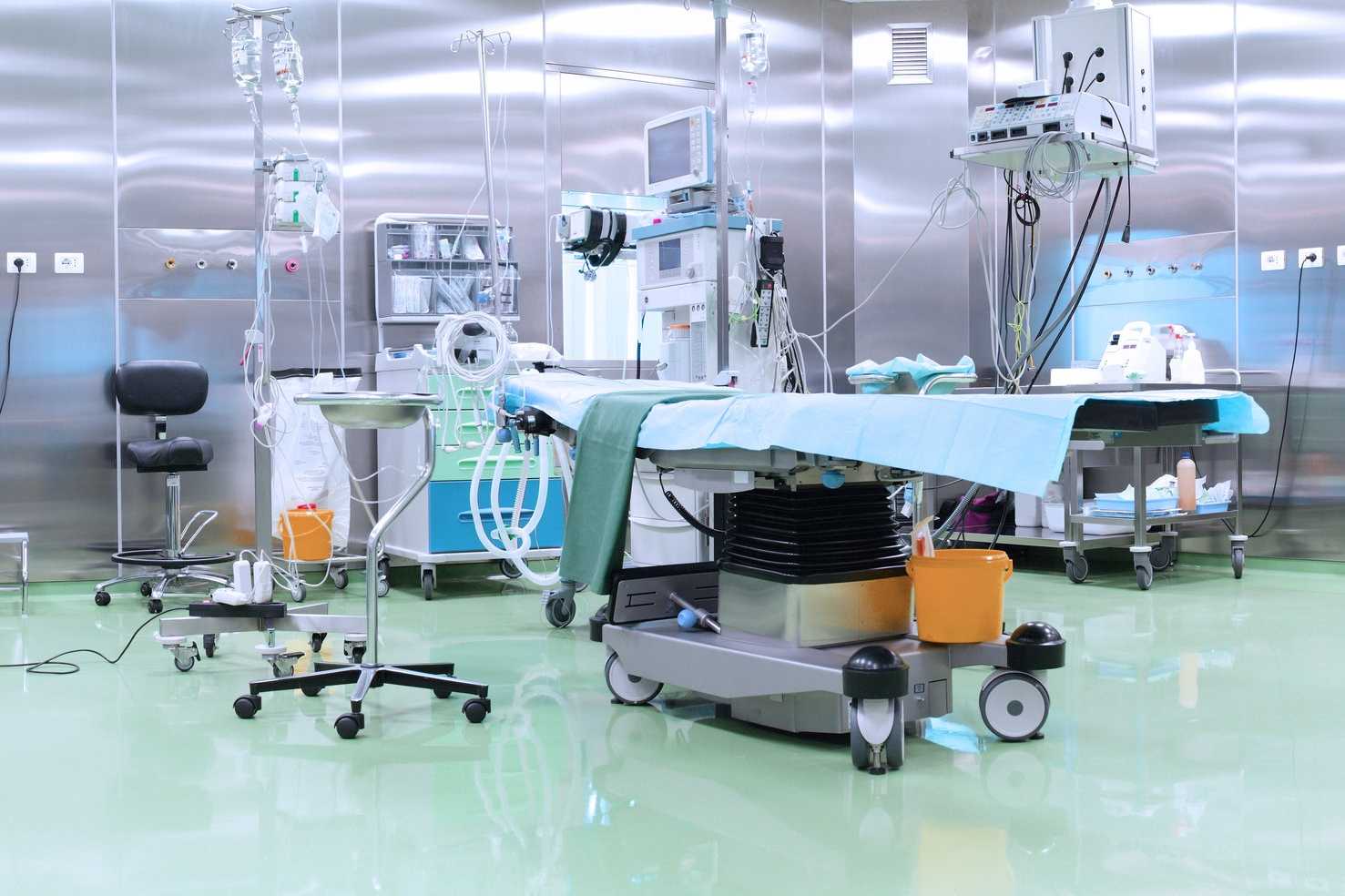 How Can Hospitals Significantly Reduce the Cost of Purchasing Orthopedic Medical Devices? -