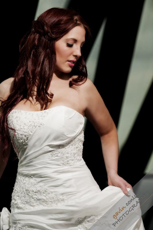 Bride-Bridal-Wedding-London_Bridal-London_Wedding-Romance-Gherkin-Millennium_Bridge-Portraits-www.gavinconlan.com-gavin_conlan-Portraiture-Essex_Photographer-London_Photographer-Weddings_at_Gherkin.-2-8.jpg