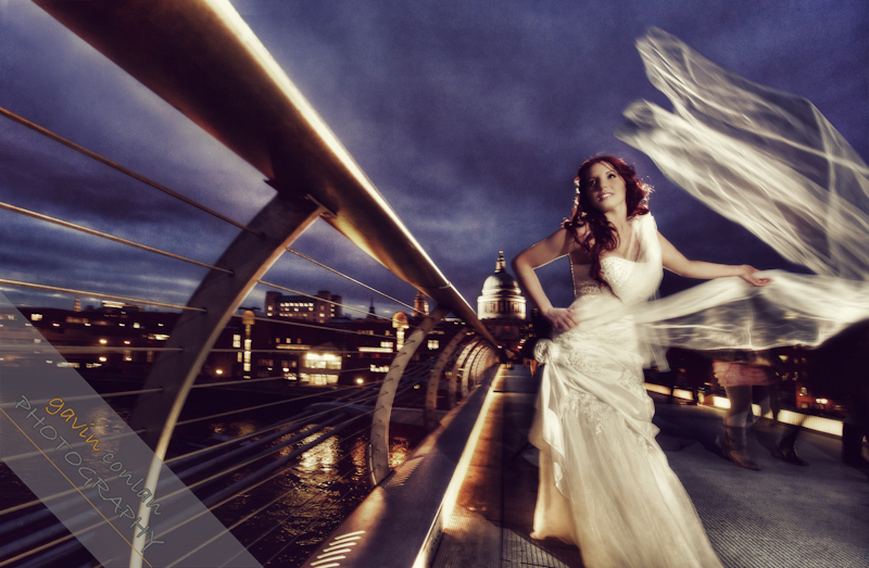 Bride-Bridal-Wedding-London_Bridal-London_Wedding-Romance-Gherkin-Millennium_Bridge-Portraits-www.gavinconlan.com-gavin_conlan-Portraiture-Essex_Photographer-London_Photographer-Weddings_at_Gherkin.-3-4.jpg