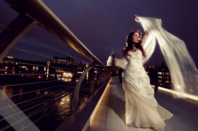Bride-Bridal-Wedding-London_Bridal-London_Wedding-Romance-Gherkin-Millennium_Bridge-Portraits-www.gavinconlan.com-gavin_conlan-Portraiture-Essex_Photographer-London_Photographer-Weddings_at_Gherkin.-2-24.jpg