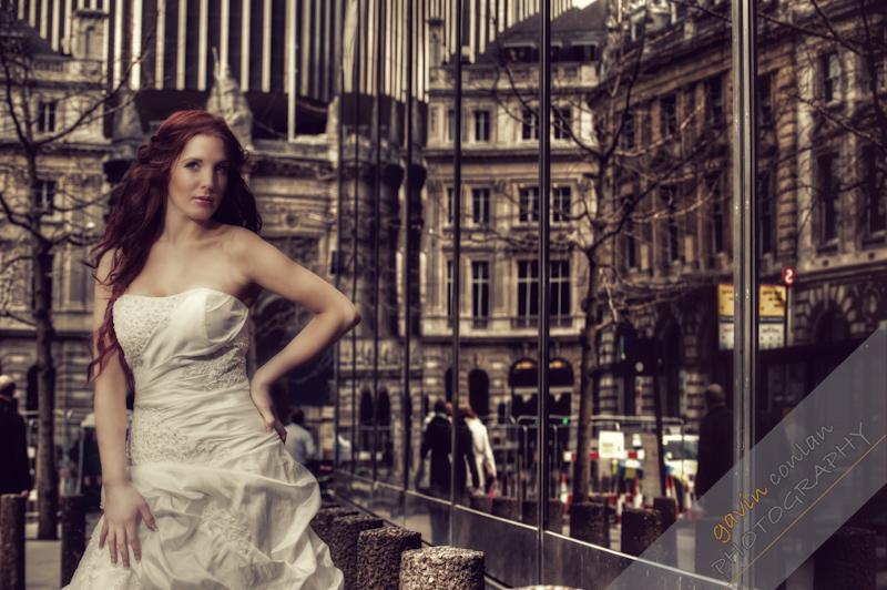 Bride-Bridal-Wedding-London_Bridal-London_Wedding-Romance-Gherkin-Millennium_Bridge-Portraits-www.gavinconlan.com-gavin_conlan-Portraiture-Essex_Photographer-London_Photographer-Weddings_at_Gherkin.-2-14.jpg