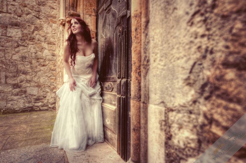 Bride-Bridal-Wedding-London_Bridal-London_Wedding-Romance-Gherkin-Millennium_Bridge-Portraits-www.gavinconlan.com-gavin_conlan-Portraiture-Essex_Photographer-London_Photographer-Weddings_at_Gherkin.-3-2.jpg