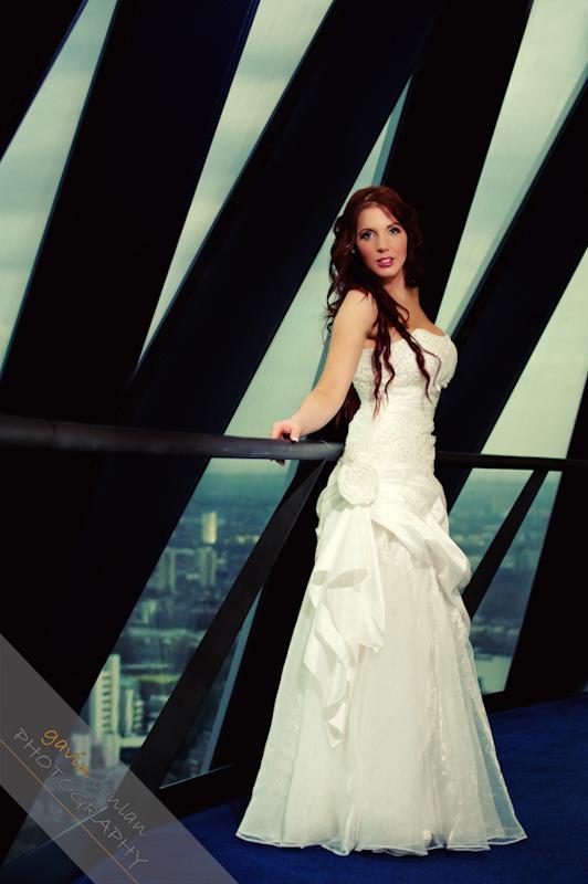 Bride-Bridal-Wedding-London_Bridal-London_Wedding-Romance-Gherkin-Millennium_Bridge-Portraits-www.gavinconlan.com-gavin_conlan-Portraiture-Essex_Photographer-London_Photographer-Weddings_at_Gherkin.-2-7.jpg