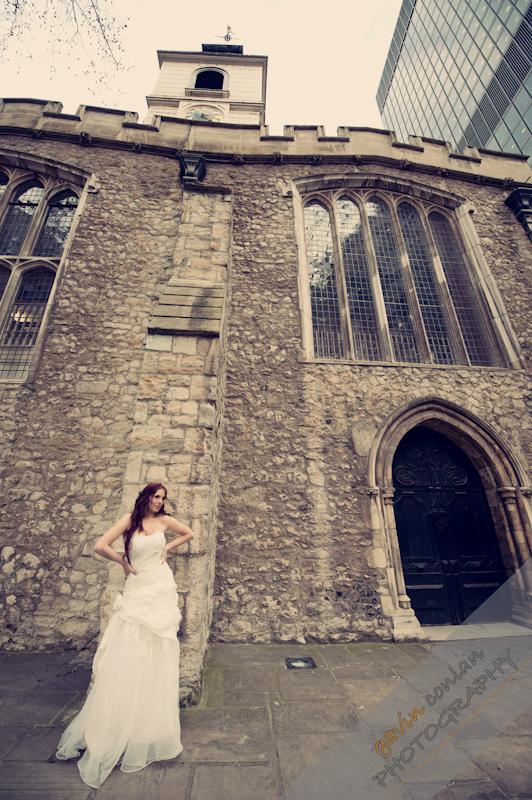 Bride-Bridal-Wedding-London_Bridal-London_Wedding-Romance-Gherkin-Millennium_Bridge-Portraits-www.gavinconlan.com-gavin_conlan-Portraiture-Essex_Photographer-London_Photographer-Weddings_at_Gherkin.-7623.jpg