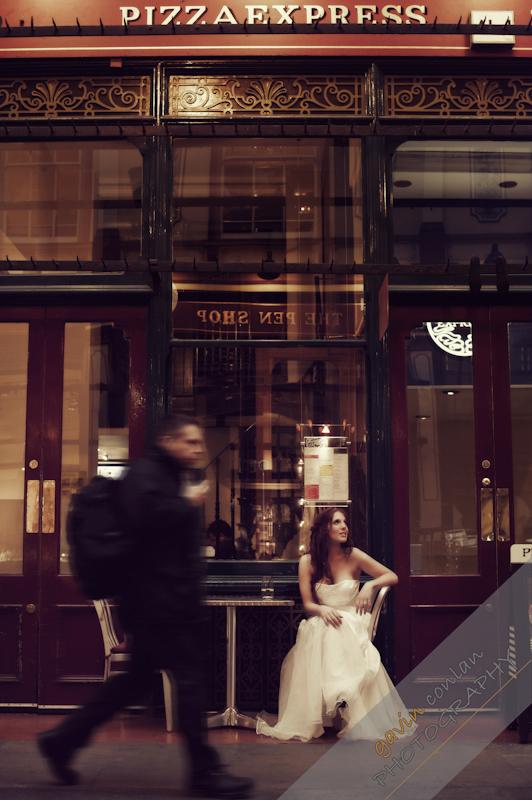 Bride-Bridal-Wedding-London_Bridal-London_Wedding-Romance-Gherkin-Millennium_Bridge-Portraits-www.gavinconlan.com-gavin_conlan-Portraiture-Essex_Photographer-London_Photographer-Weddings_at_Gherkin.-7690.jpg
