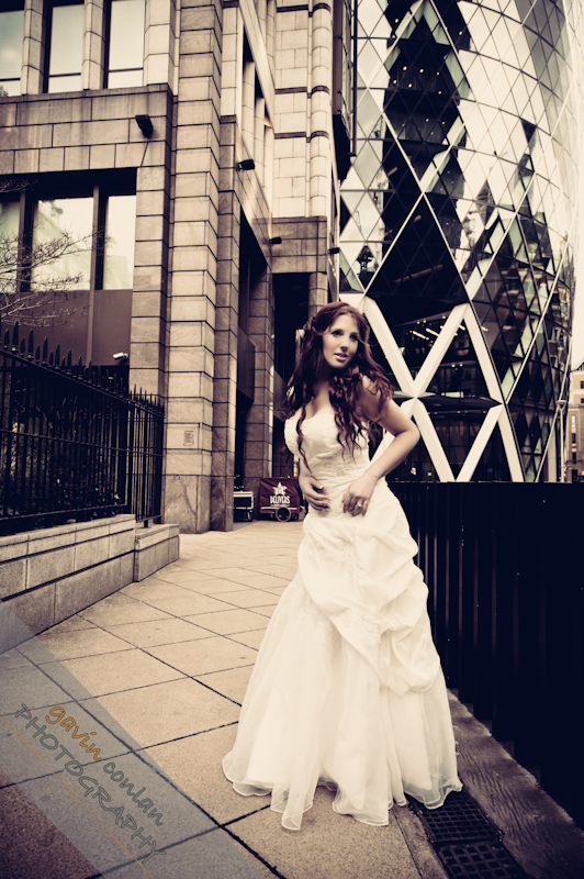 Bride-Bridal-Wedding-London_Bridal-London_Wedding-Romance-Gherkin-Millennium_Bridge-Portraits-www.gavinconlan.com-gavin_conlan-Portraiture-Essex_Photographer-London_Photographer-Weddings_at_Gherkin.-2-10.jpg
