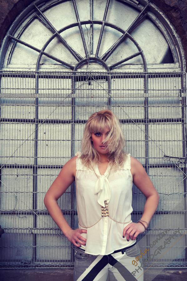 Kelly_Pepper-Bermondsey_Village-Portraits-Fashion-www.gavinconlan.com-gavinconlan-Portraiture-EssexPhotographer-LondonPhotographer-London-Bridge.-7197.jpg