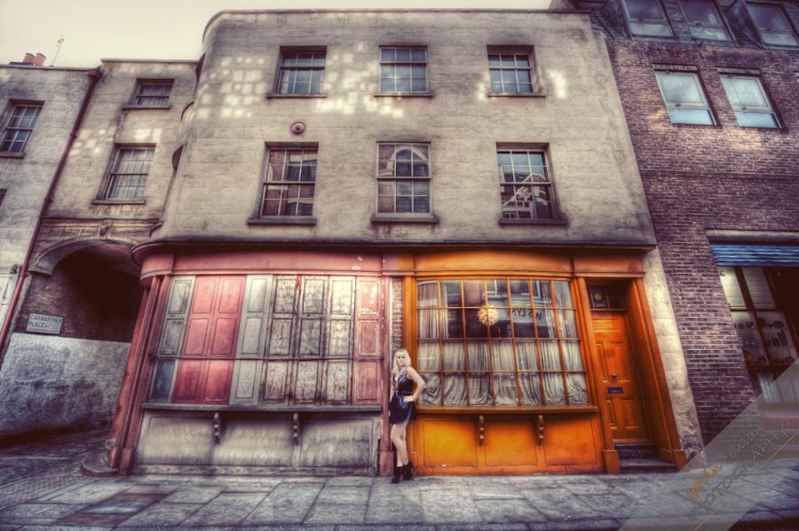 Kelly_Pepper-Bermondsey_Village-Portraits-Fashion-www.gavinconlan.com-gavinconlan-Portraiture-EssexPhotographer-LondonPhotographer-London-Bridge.-2-17.jpg