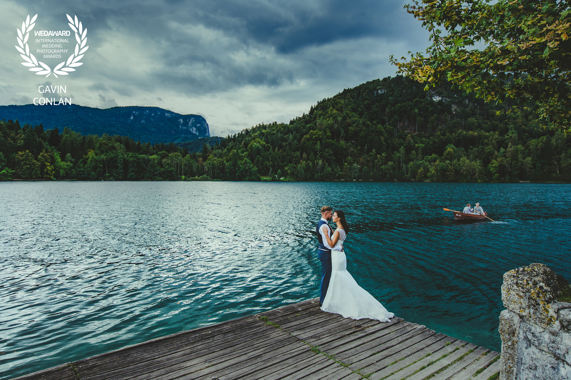 destination-wedding-portrait-lake-bled-bled-island-gavin-conlan-photography-wedaward
