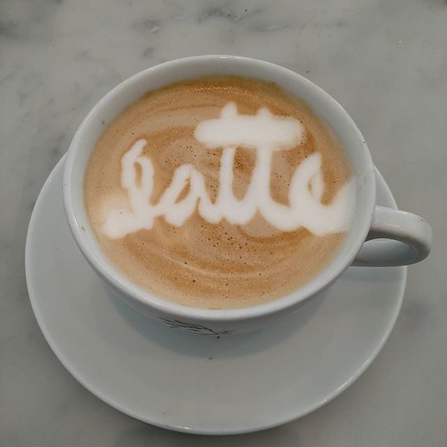 Does what it says on the box folks!  #lacapracoffee #latteart