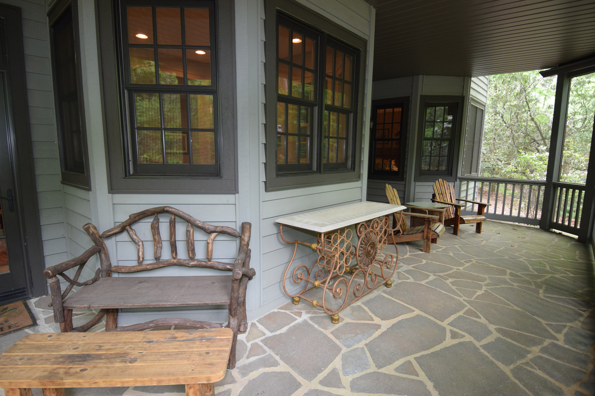 ShilohCreekModelHome_2017Revisions_ScreenedPorch1.jpg