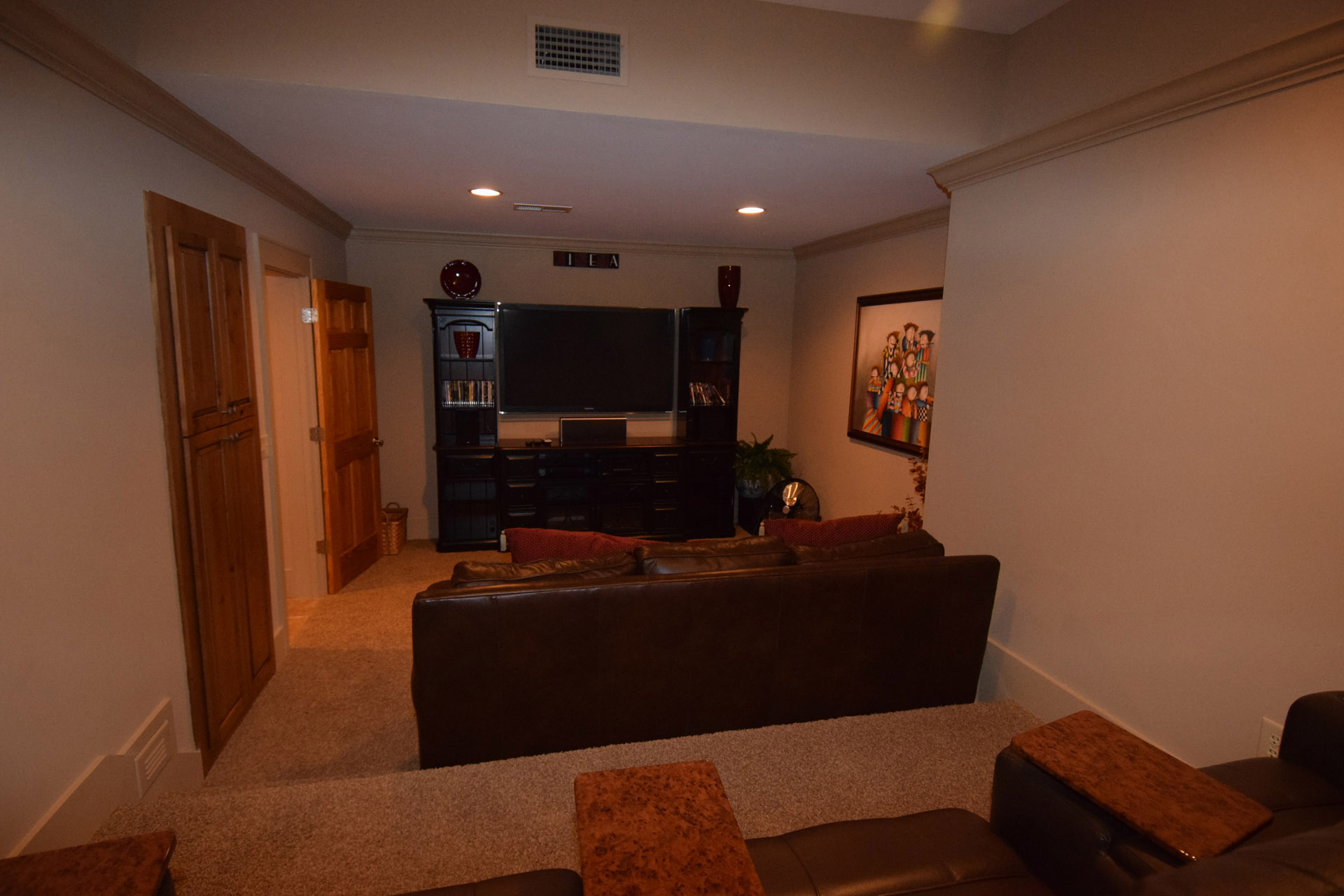 ShilohCreekModelHome_2017Revisions_Theater1.jpg