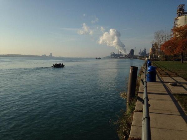 Detroit River pic day 2.jpg