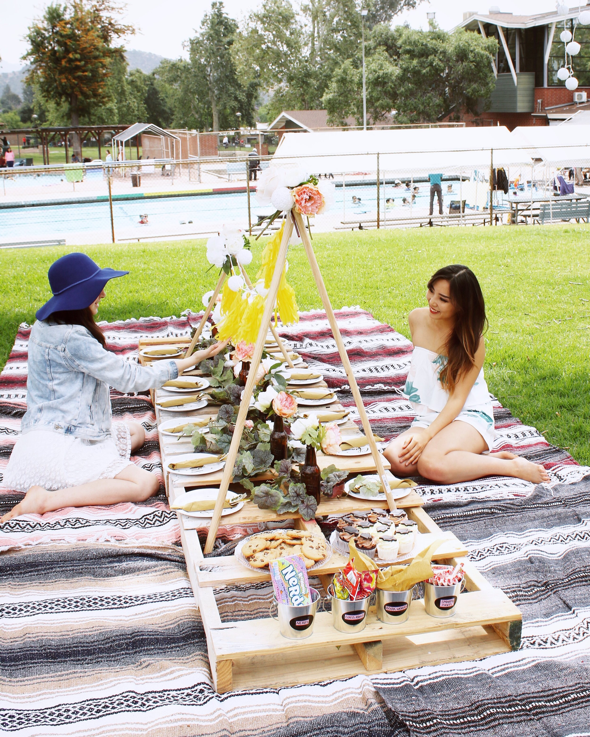 girlandtheword-boho-style-graduation-picnic-party-6