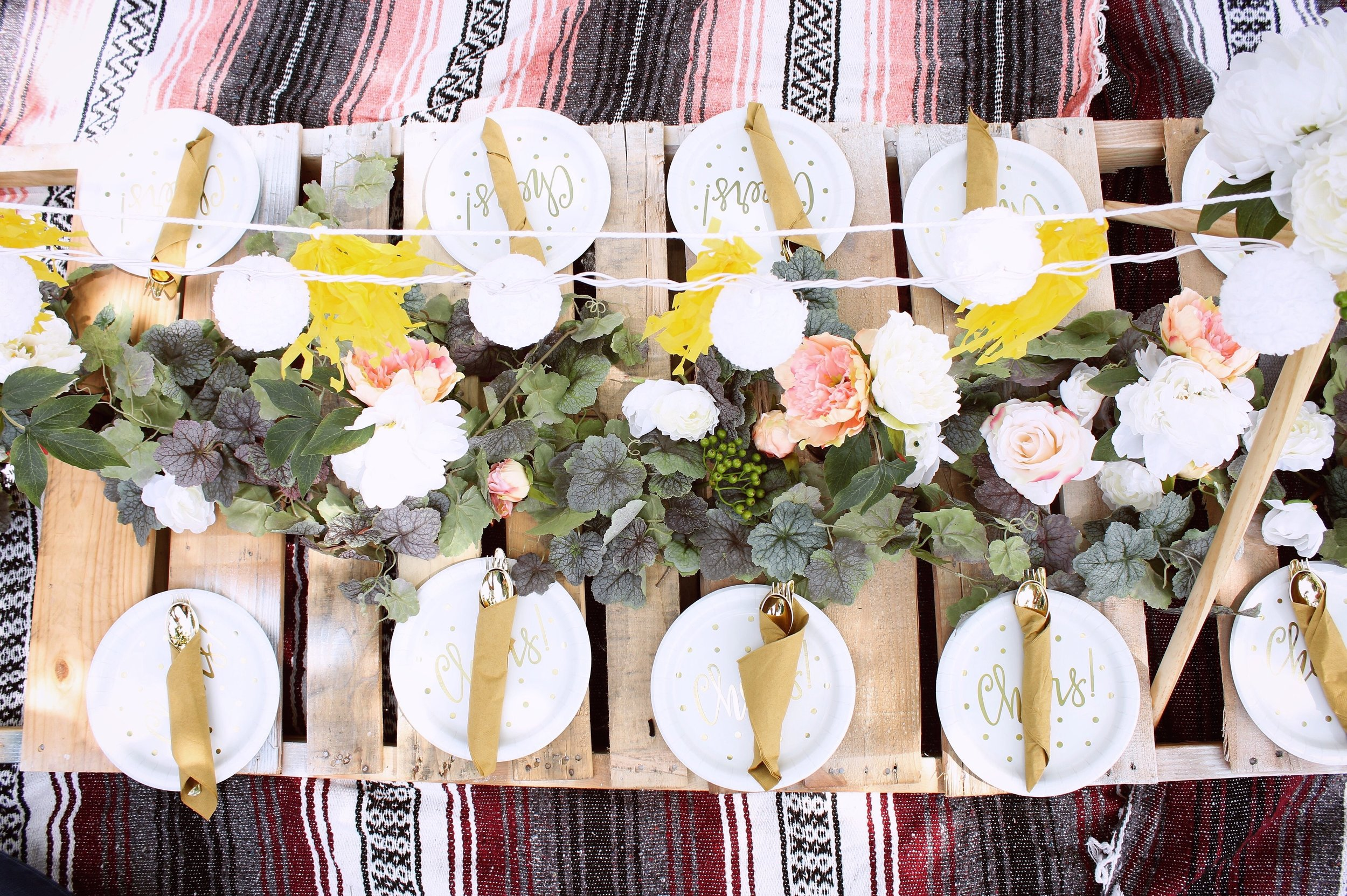 girlandtheword-boho-style-graduation-picnic-party-9