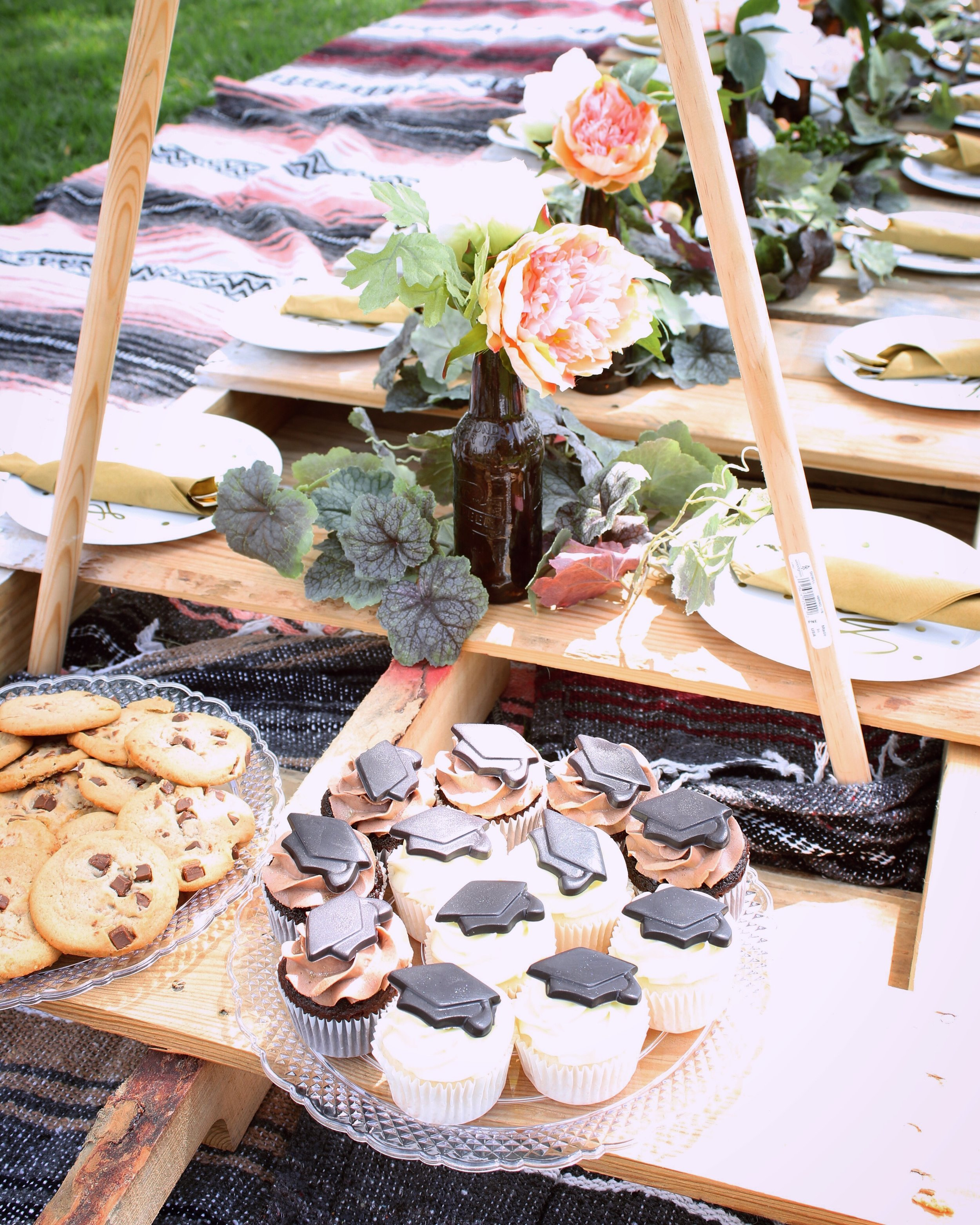 girlandtheword-boho-style-graduation-picnic-party-10