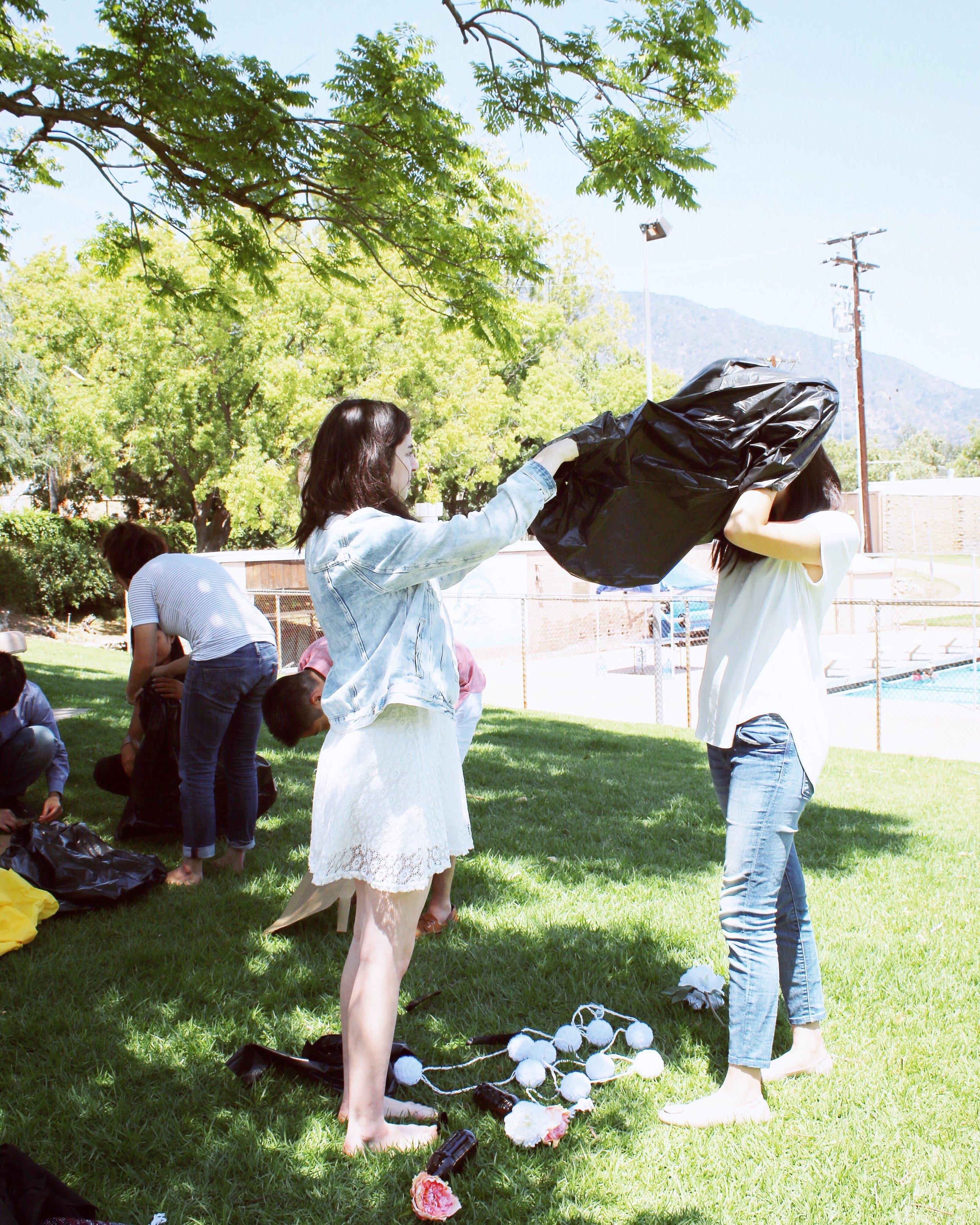 girlandtheword-boho-style-graduation-picnic-party-11