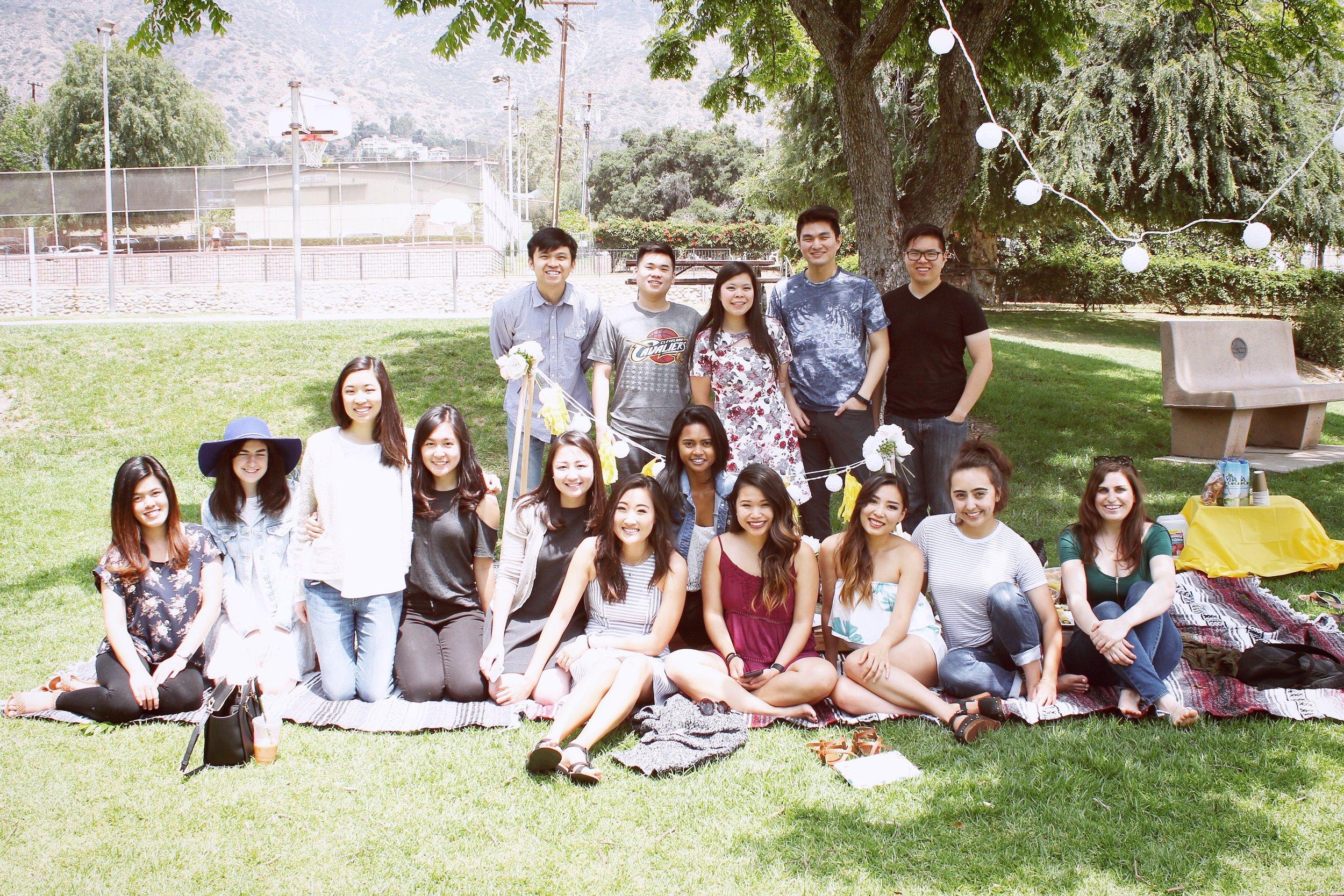 girlandtheword-boho-style-graduation-picnic-party-12