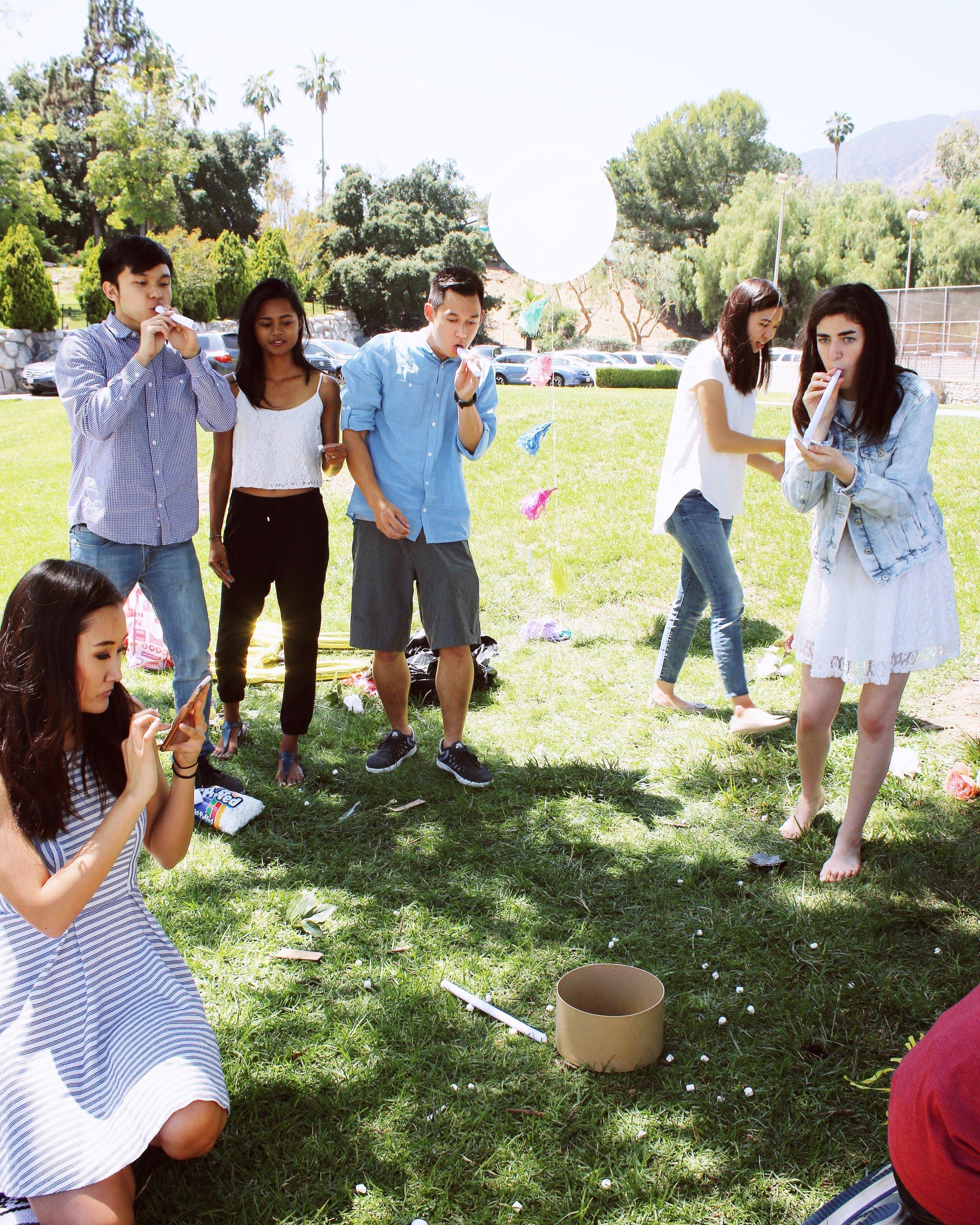 girlandtheword-boho-style-graduation-picnic-party-14