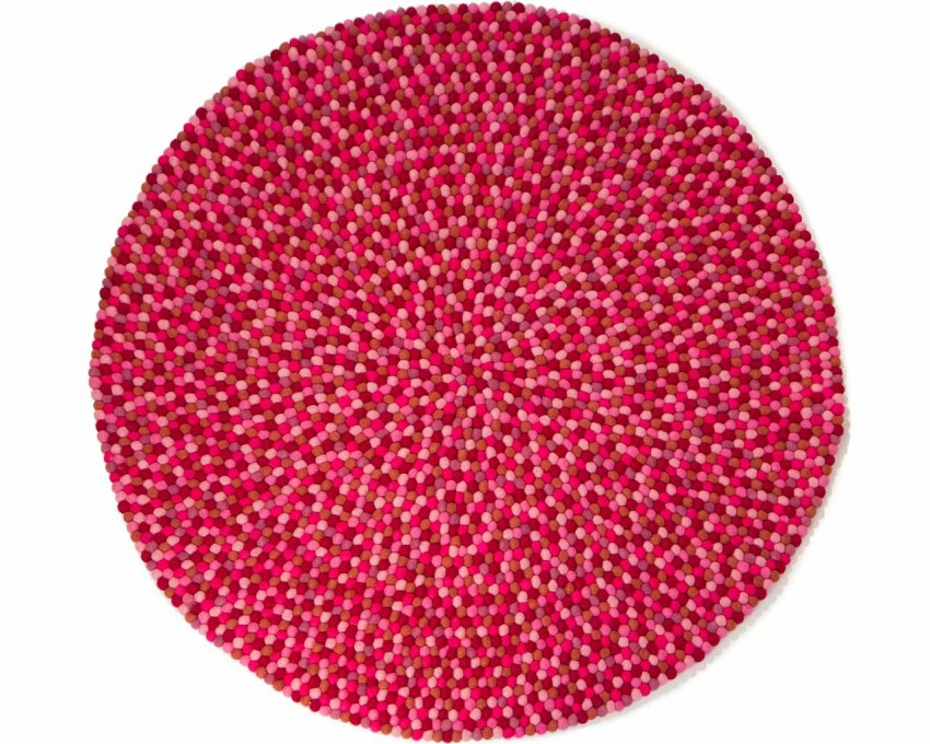 pink-white-felt-ball-rugs.jpg