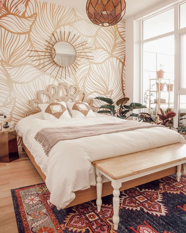 I can't believe how easy it was to make that starburst mirror and those boho throw pillows! Thinking about making all my decor in-house from now on.. 😝 If you haven't seen my latest bedroom makeover video yet, check it out via the link in my bio! 🙌🏼 ___________ This photo was edited with my own preset, available at www.girlandtheword.com. 10% of all proceeds will go towards helping the homeless! ❤️ . . . #GTWpresets #homedecoration #homedecor #jungalowstyle #finditstyleit #fleastyle #howiboho  #showmeyourboho #refinedrefuge #bohoismyjam #bohoonthelowlow #currentdesignsituation #smallspacesquad #designsponge #apartmenttherapy #myeclecticmix #eclectic #urbanjunglebloggers #plantscout #industrialdesign #houseplants #industrialstyle #loft #contemporary #contemporarydesign