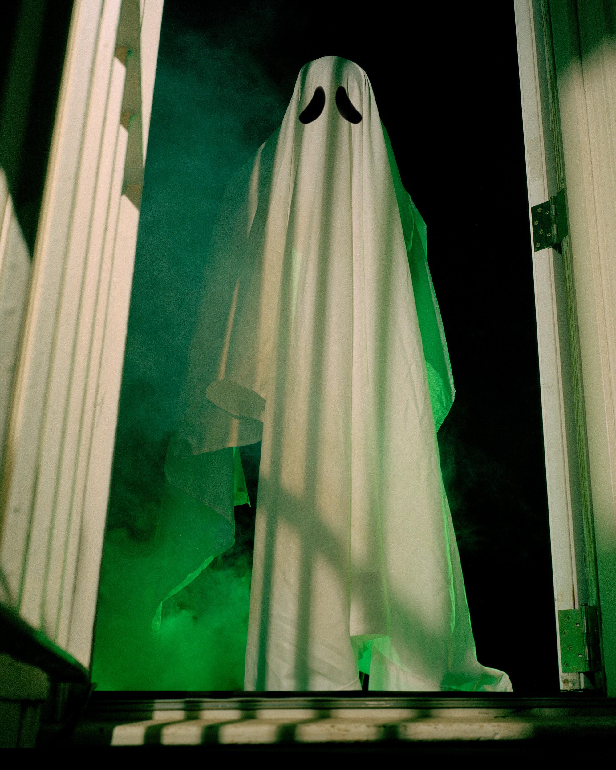 Shaun_Lucas-Door-Ghost-002.jpg