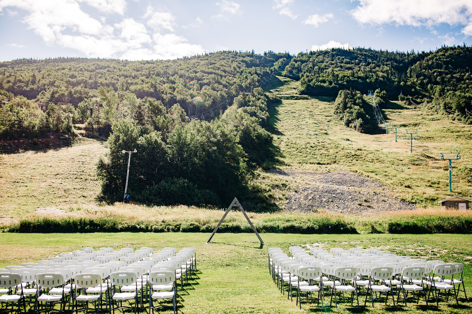 0003newfoundland-wedding-photographer-marble-mountain.jpg
