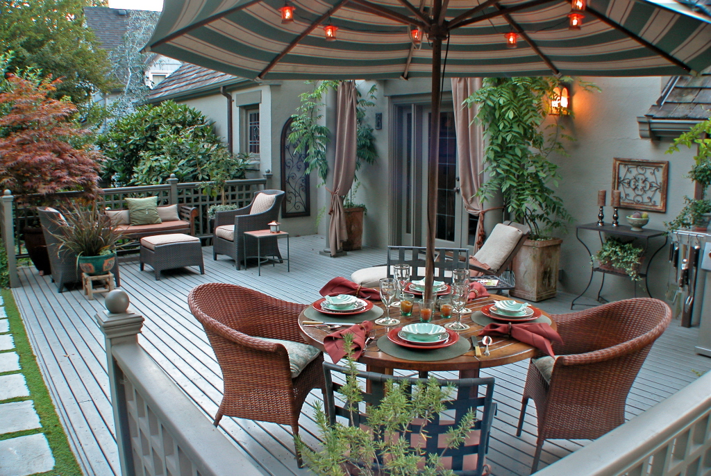 The Deck's Dining Area