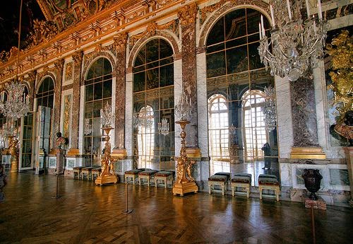 versailles+hall+of+mirrors2.jpg