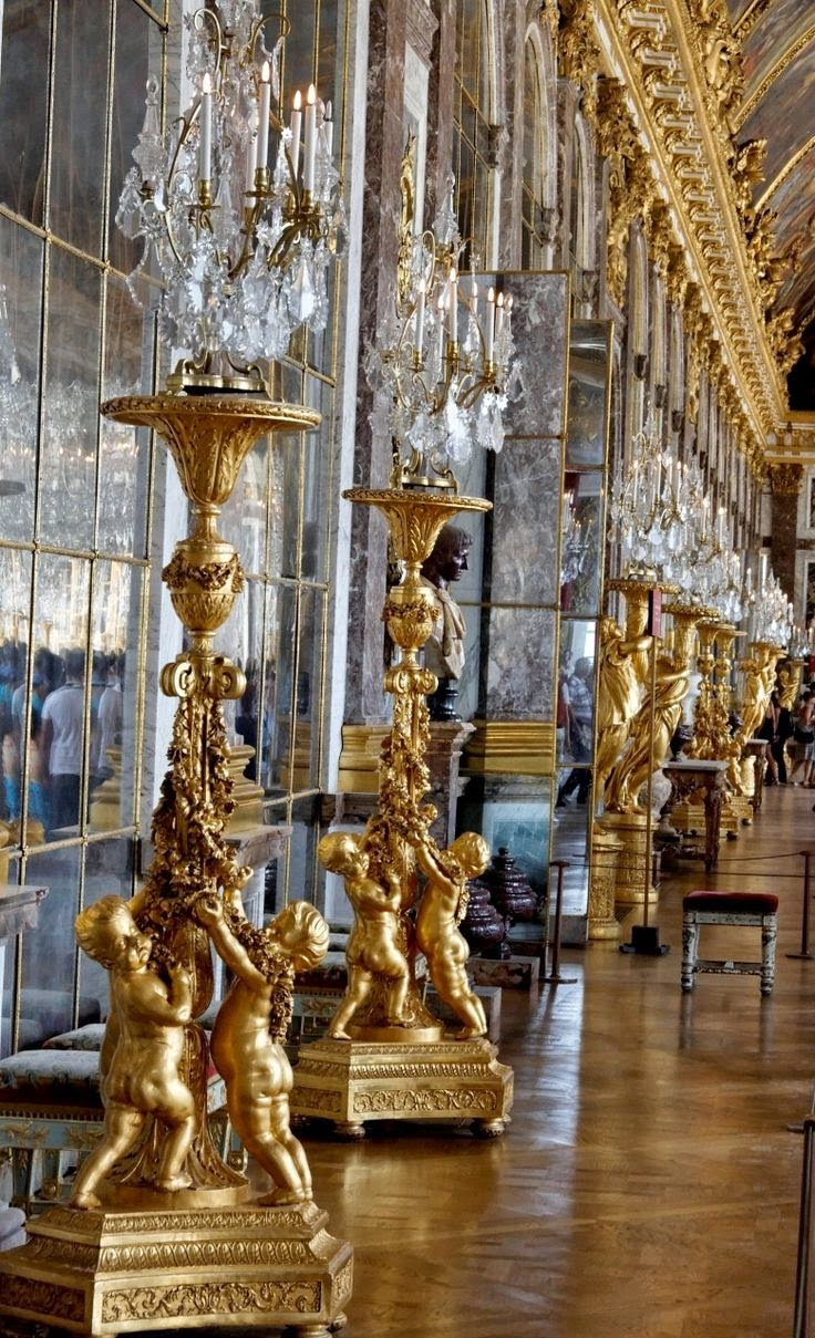 versailles+hall+of+mirrors.jpg