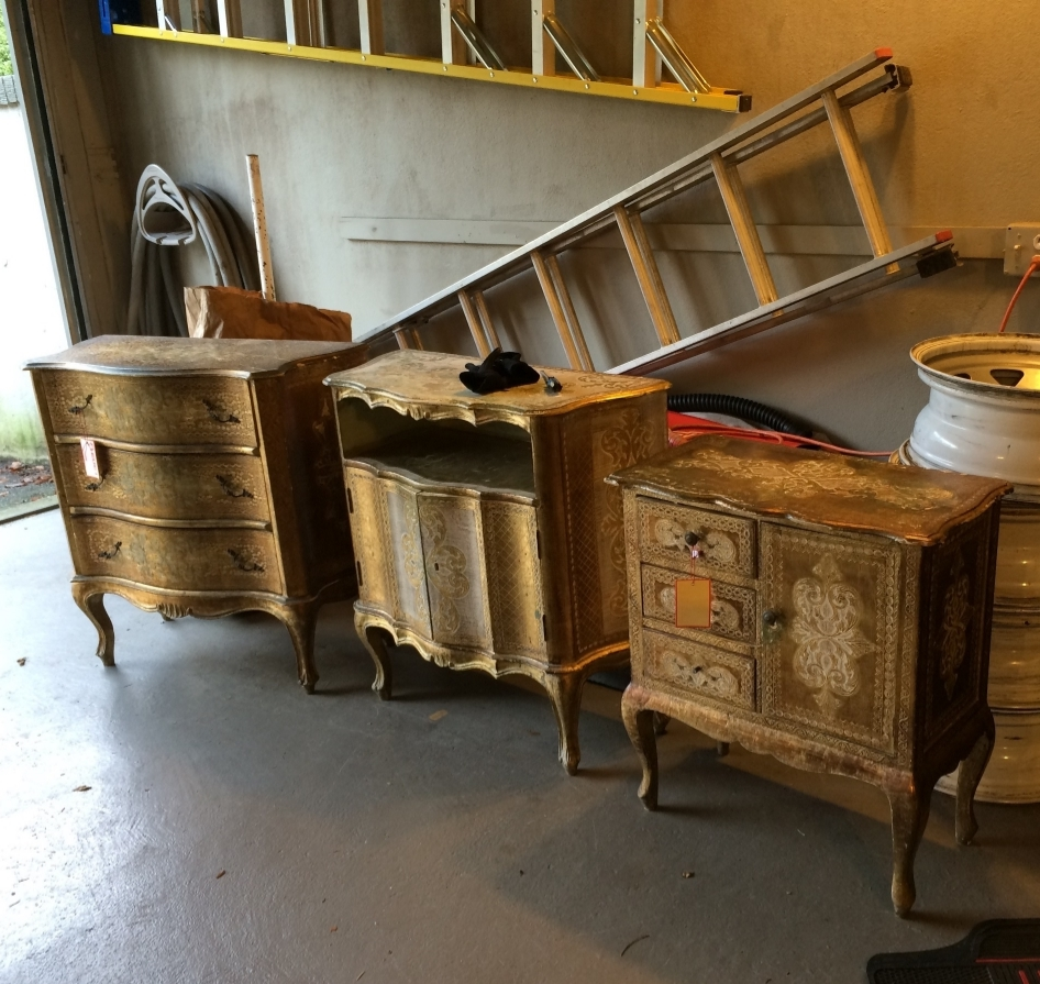 Italian gilt painted furniture arrives!