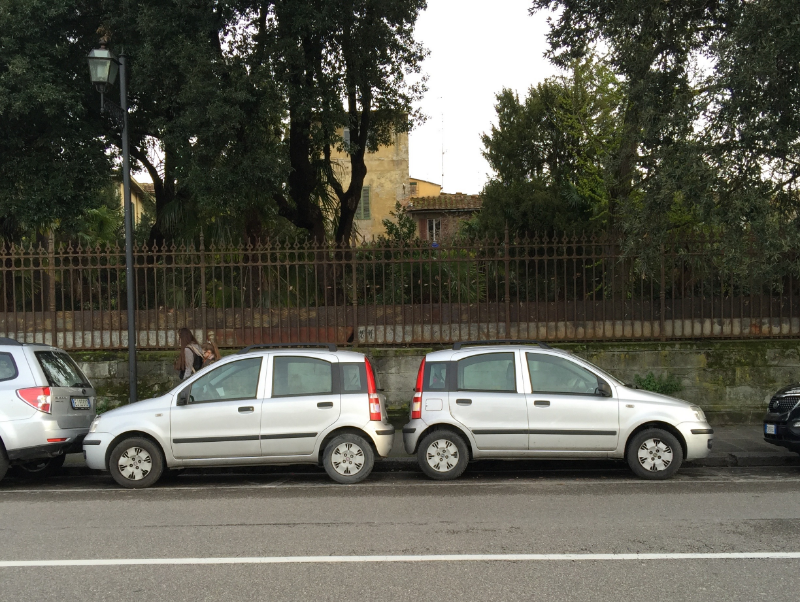 Florentines park creatively, too!