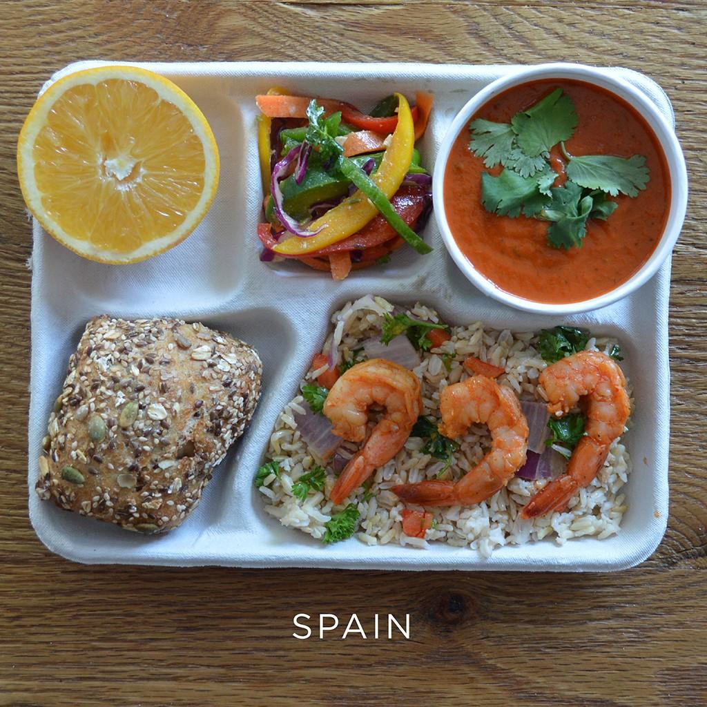 fwx-school-lunches-sweetgreen-spain.jpg