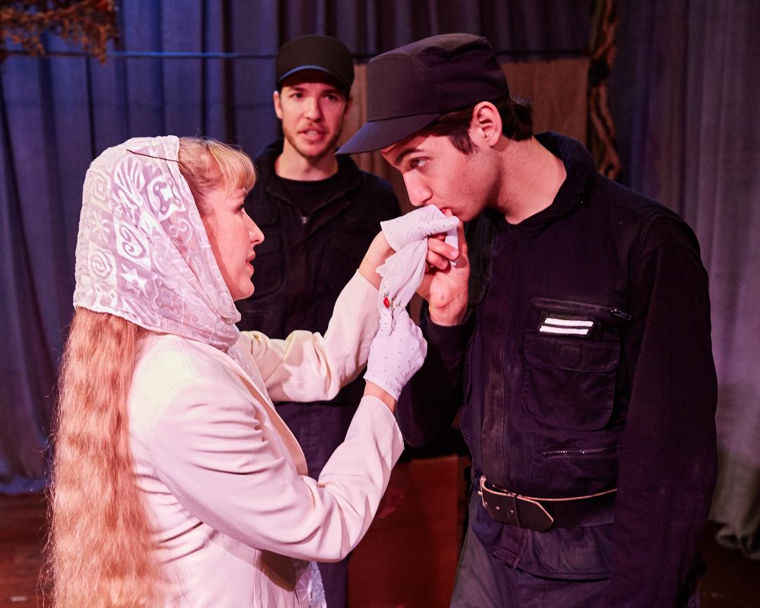 Photo by Gregg Le Blanc   Othello      Arabian Shakespeare Festival