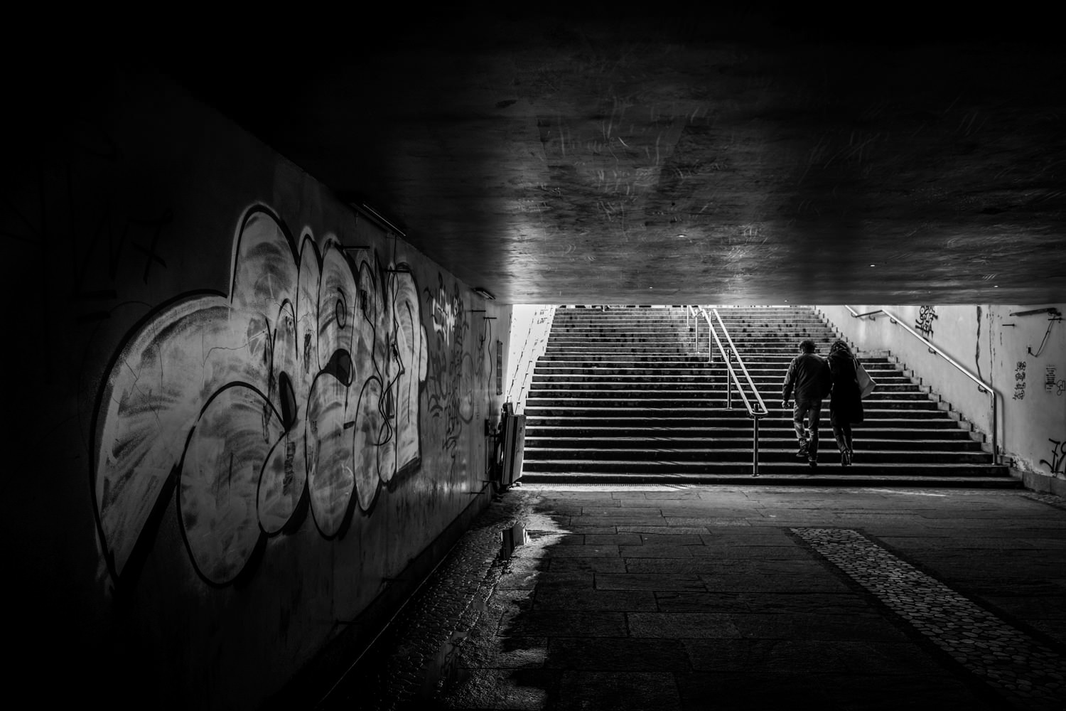Street Photographer in Luxembourg | Catalin Burlacu Photography | www.ishootcolors.com