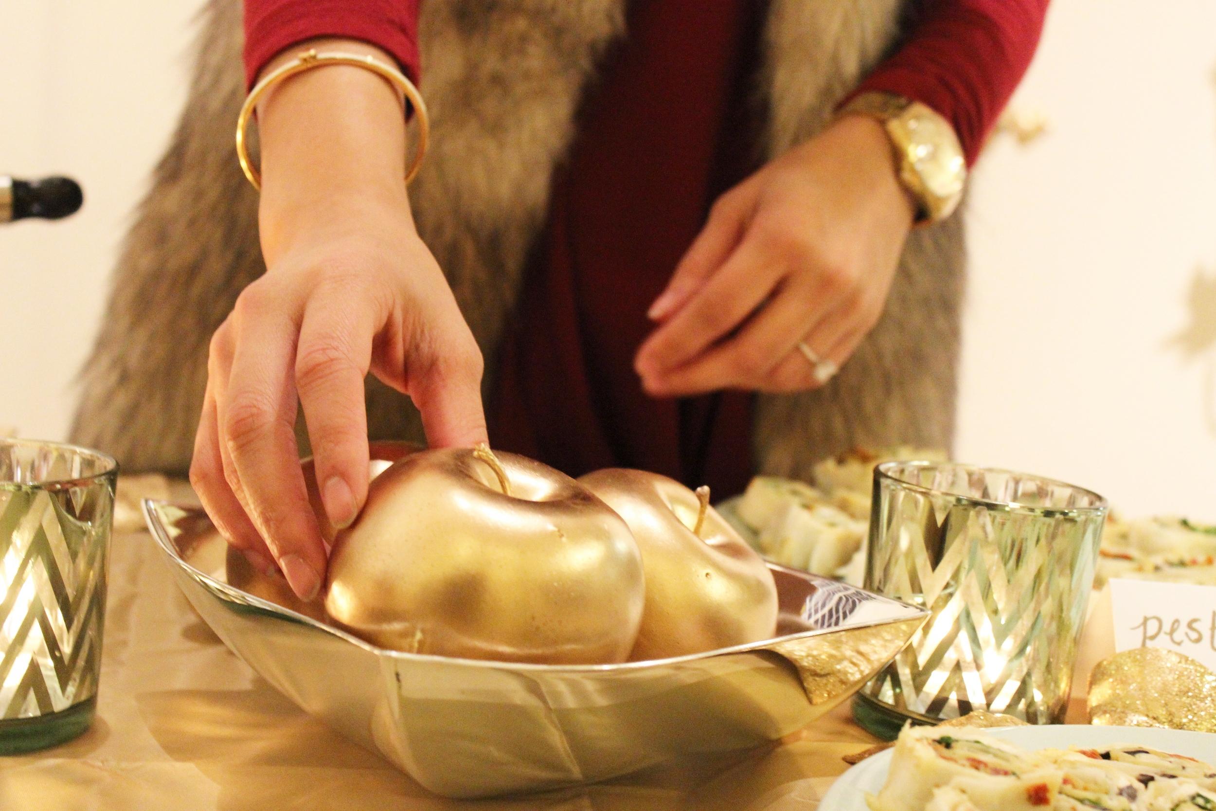 golden apple decor