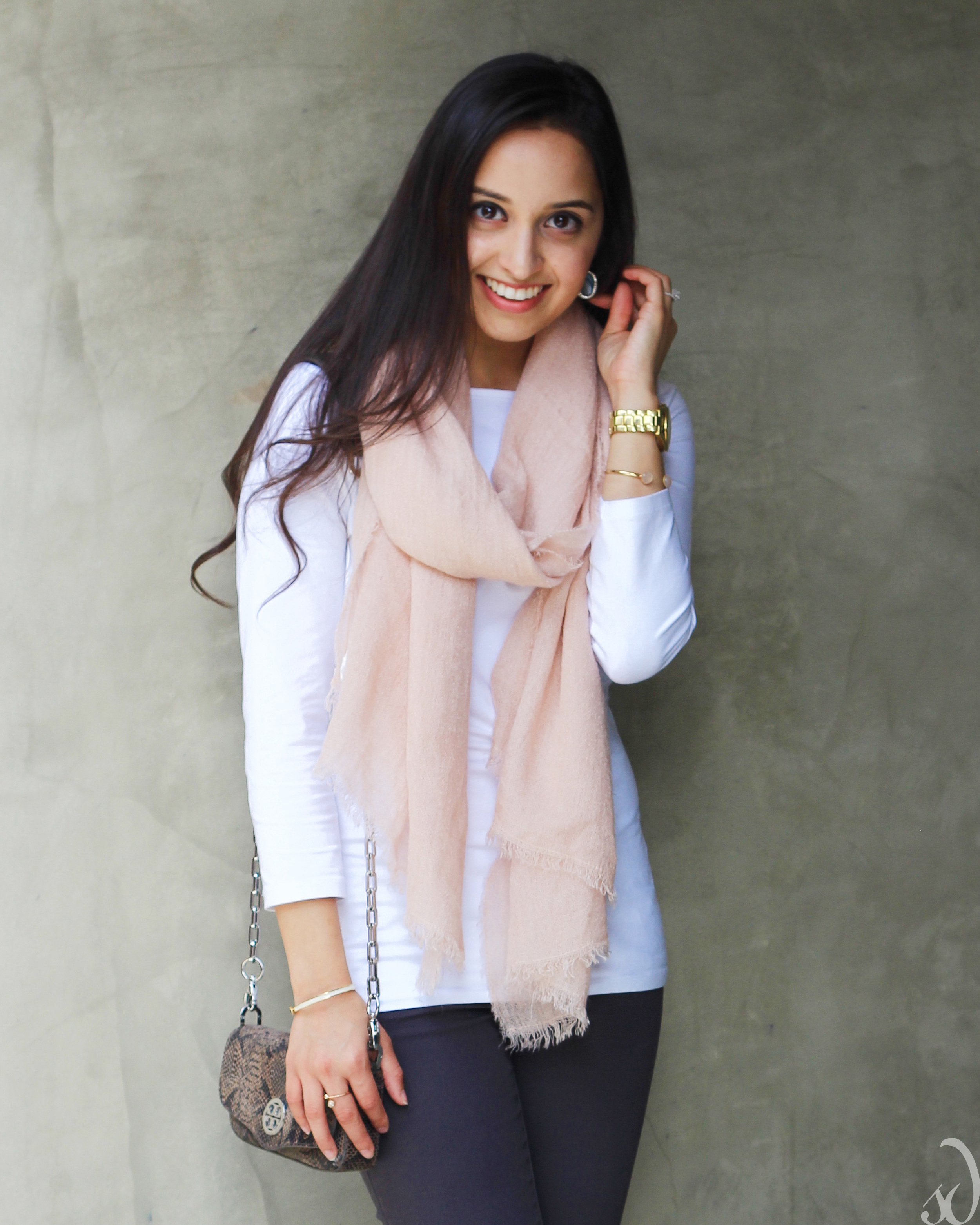 easy outfit, transitional, spring, gray and white with blush and pink, scarf, tory burch,