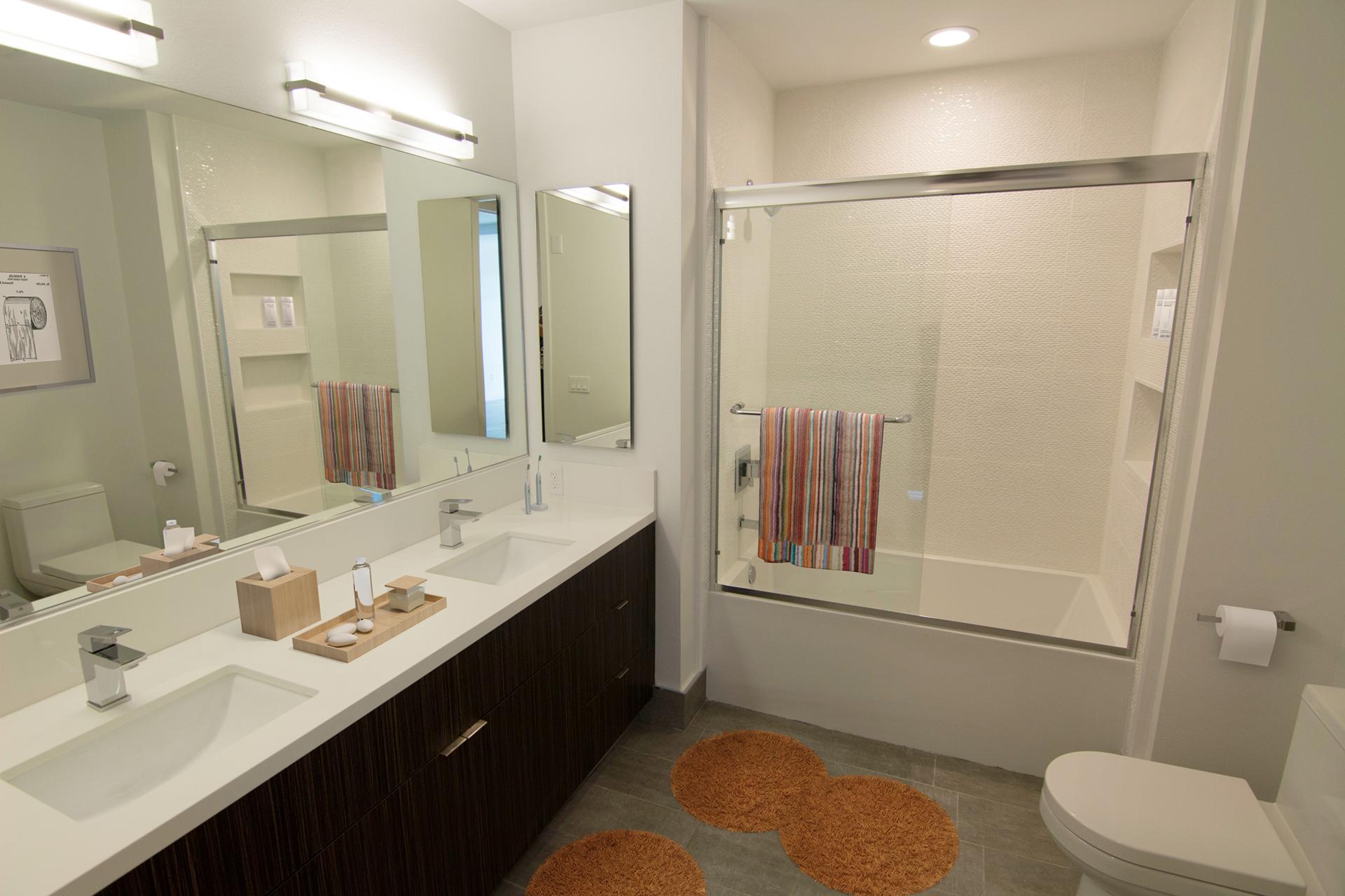 High End Apartments in Westwood, Los Angeles for Rent - Gayley & Lindbrook Bathroom