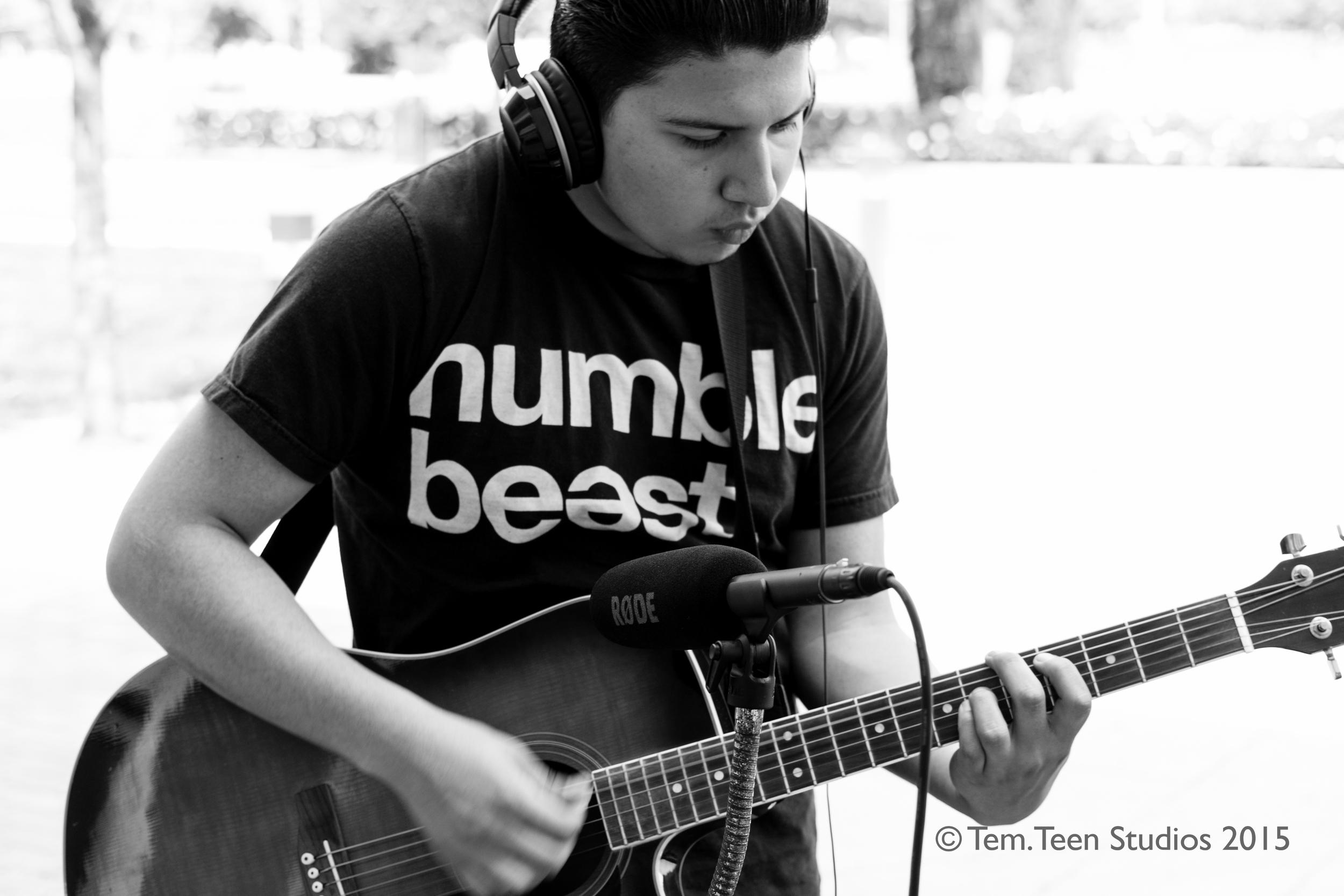 My man Harley while we're recording  The Soundmaker  by  Rodrigo y Gabriella