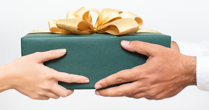 couple-exchanging-gift-700px.jpg