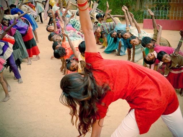 yoga-orphanage-seva-edoandjo.JPG