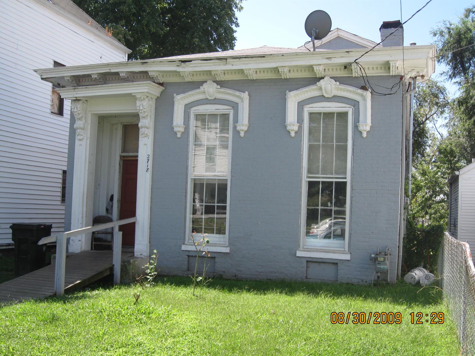 2718 house.jpg