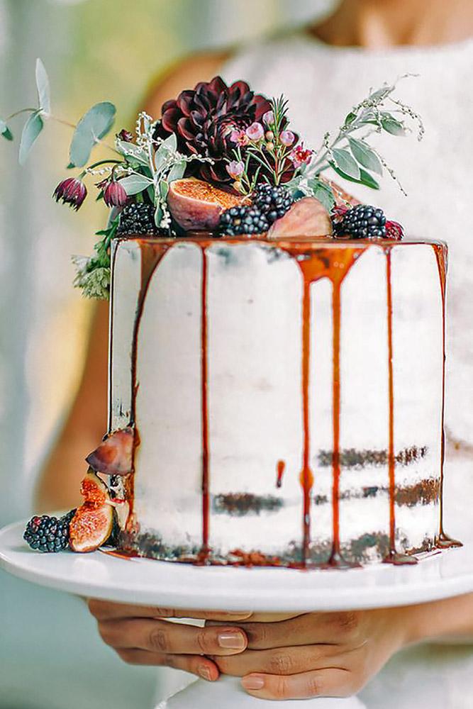 small-rustic-wedding-cakes-petra-veikkola-photography-1.jpg