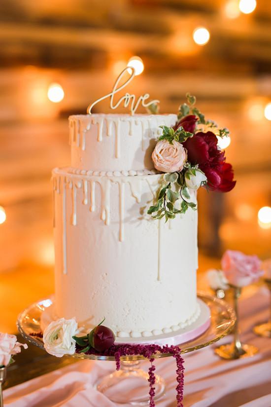 332440_twilight-rustic-barn-wedding.jpg