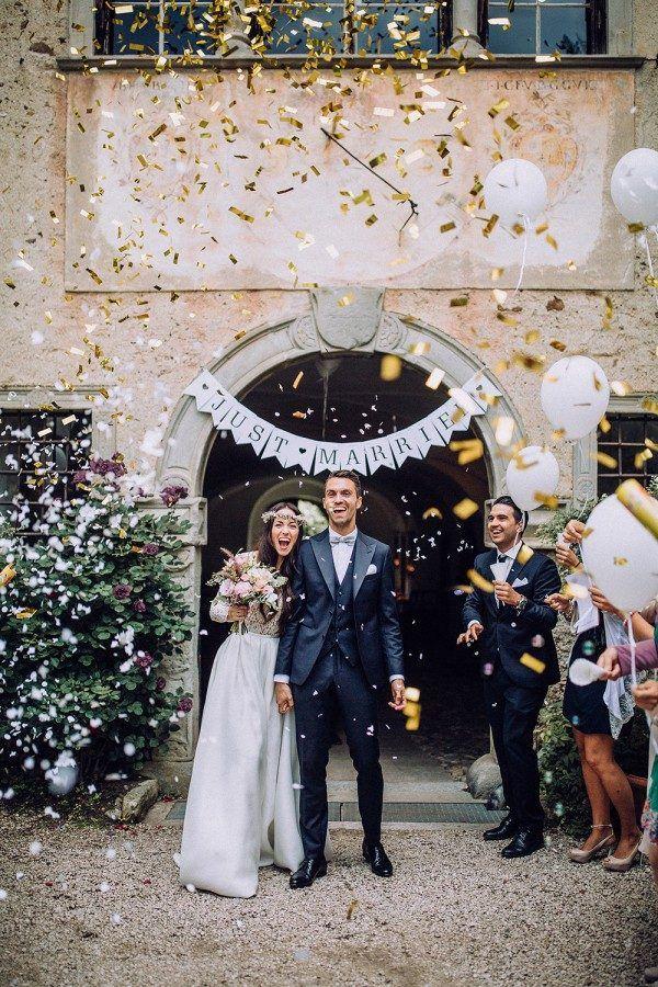 b8e87d57e2a331166a096773412c9fda--wedding-ceremony-exit-ideas-wedding-reception-photography.jpg