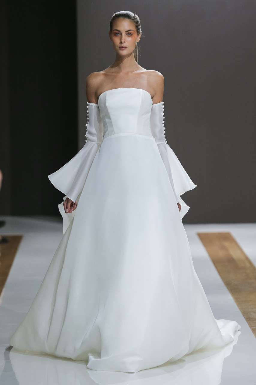 mark-zuzino-wedding-dresses-fall-2018-020.jpg