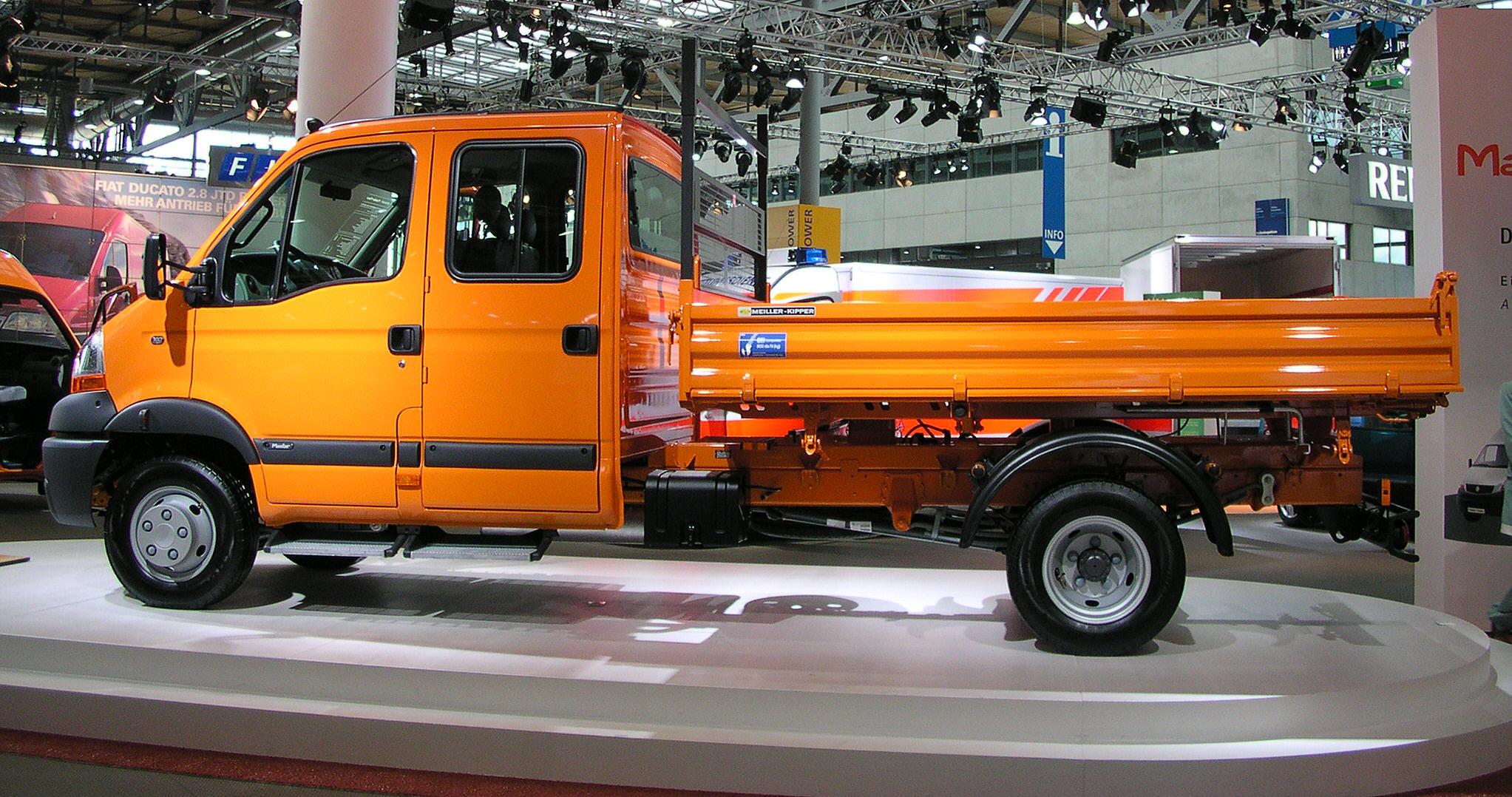 Renault_Master_Doppelkabine.jpg