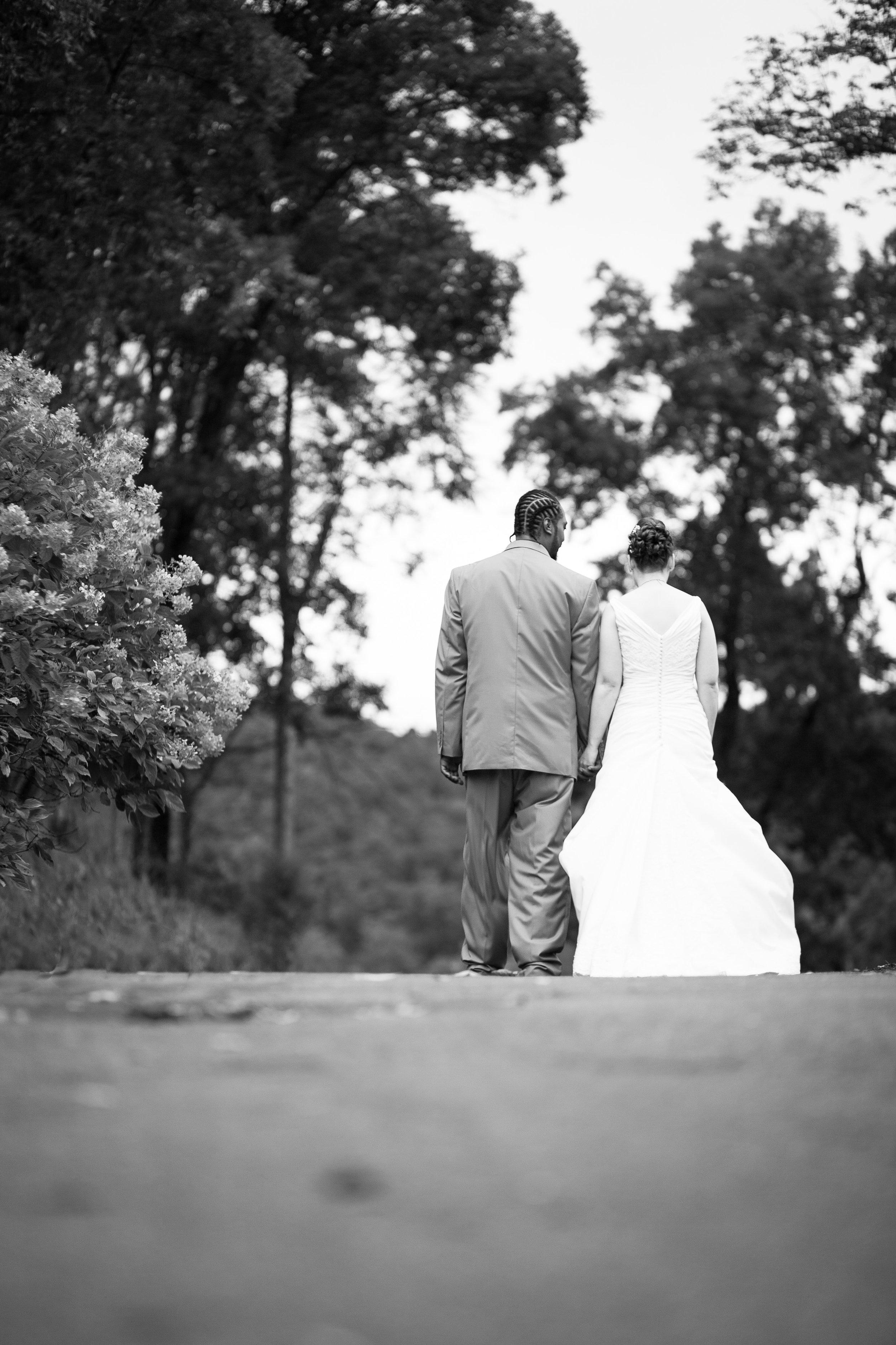 Virginia Wedding Photographer Bent-Lee Carr Photography River Course wedding Bride and Groom Radford Virginia