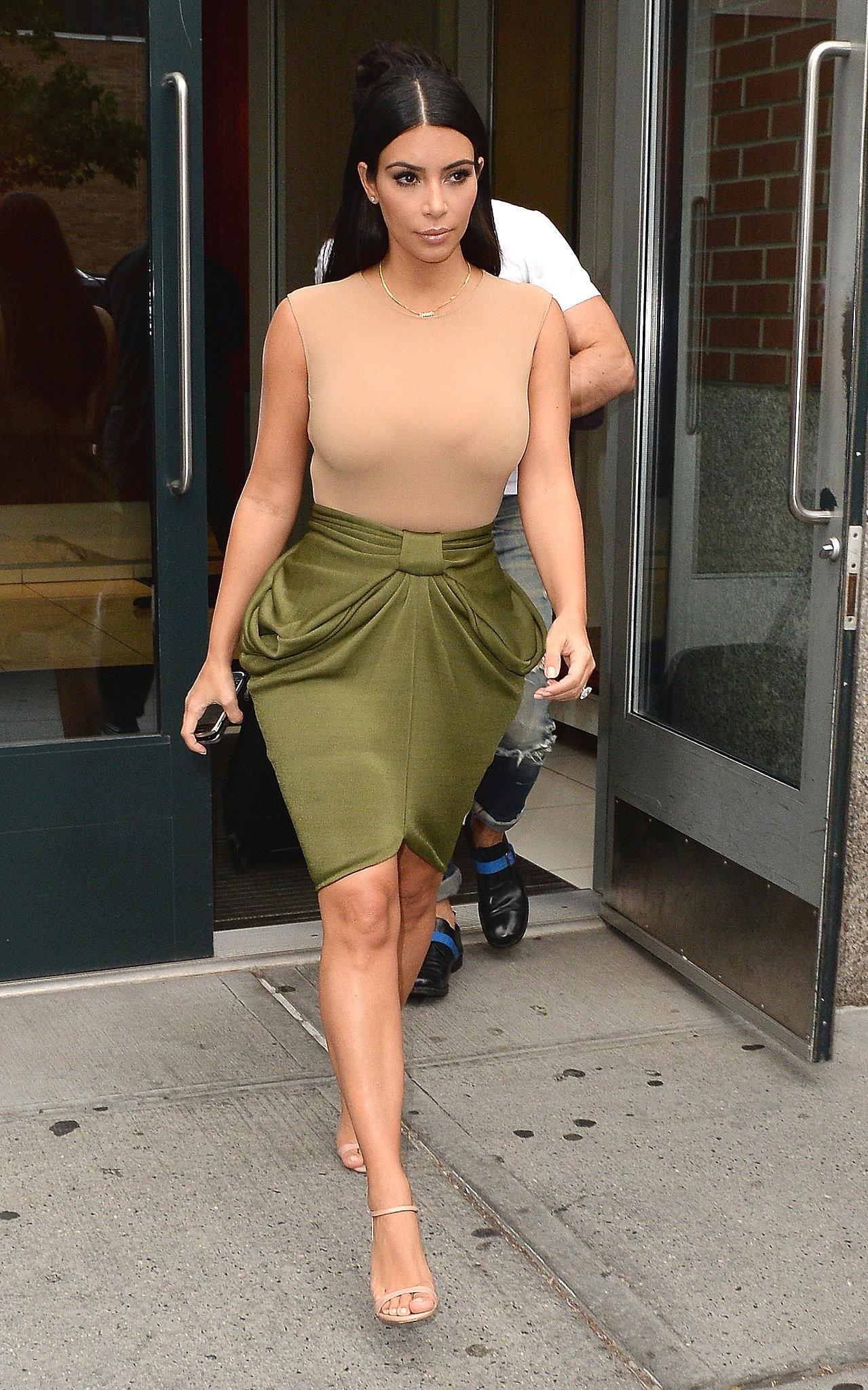 Kim-Kardashian-Street-Style.jpg